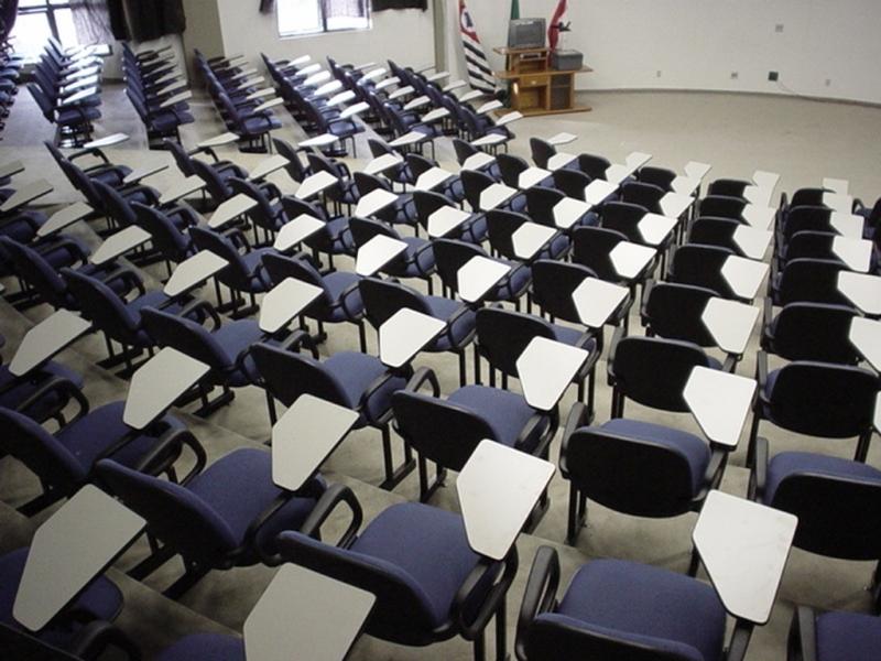 Cadeira Universitária Azul Parque São Jorge - Cadeira Universitária Estofada com Prancheta