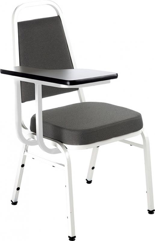 Cadeiras Universitária Empilhável Parque Peruche - Cadeira Universitária em Polipropileno