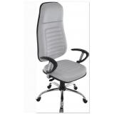 cadeira executiva branca confortável parque peruche
