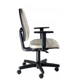 cadeira executiva com braço regulável Instituto da Previdência