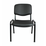 cadeira preta estofada Jardim Helian