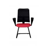 cadeira com encosto de tela
