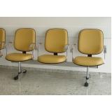 cadeira de recepção com 3 lugares