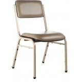 cadeira estofada de hotel