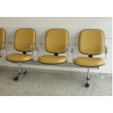 cadeiras longarinas com braço Tatuí