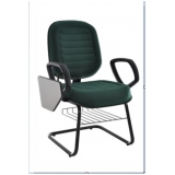 cadeiras universitária com prancheta escamoteável Campo Grande